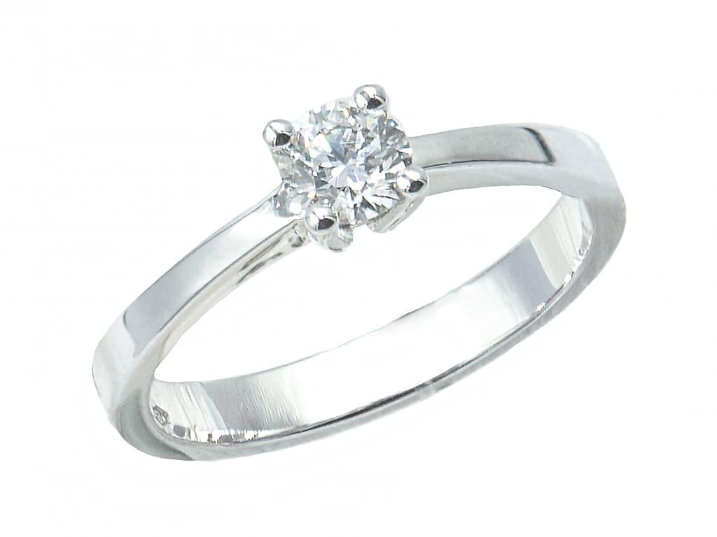 Anillo de oro blanco con diamante joyeria carlos guinot A01010029-